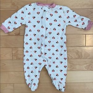 5 for $10 Minnie Mouse sleeper 3 months